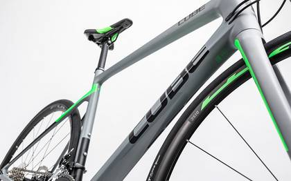 Detail image of Cube Attain GTC Pro Disc grey´n´flashgreen 2017 (6)