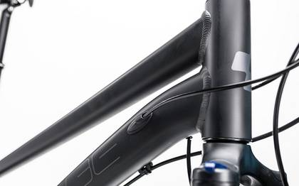 Detail image of Cube Touring Exc black´n´blue 2017 (6)