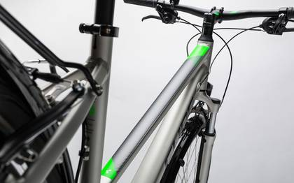 Detail image of Cube Touring silver´n´flashgreen 2017 (13)