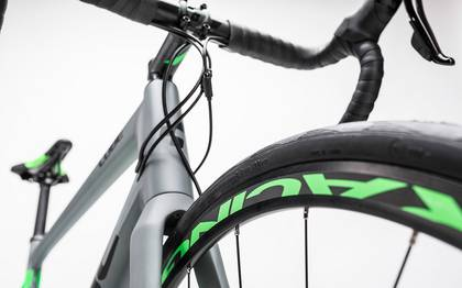 Detail image of Cube Attain GTC Pro Disc grey´n´flashgreen 2017 (13)