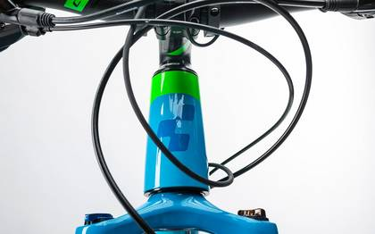 Detail image of Cube Reaction Hybrid ONE 400 blue´n´flashgreen 2017 (7)