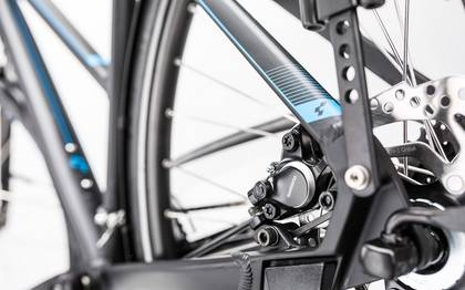 Detail image of Cube Touring Exc black´n´blue 2017 (11)