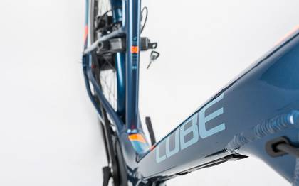 Detail image of Cube Travel Hybrid Pro 400 smoky blue´n´flashorange 2017 (4)