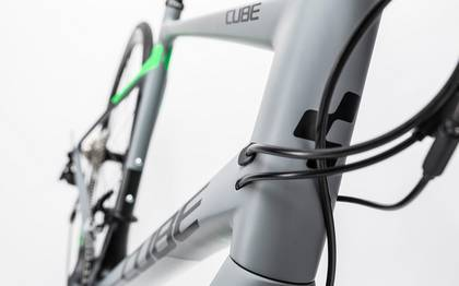 Detail image of Cube Attain GTC Pro Disc grey´n´flashgreen 2017 (7)