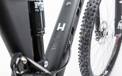 Detail image of Cube Stereo 120 HPC Race carbon´n´white 2017 (7)