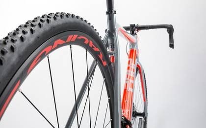 Detail image of Cube Cross Race Pro grey´n´flashred 2017 (15)