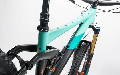 Detail image of Cube Fritzz 180 HPA SL 27.5 black´n´mint 2017 (2)